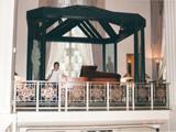Cole Porter の弾いていたピアノ  ニューヨーク アストリアホテルにて